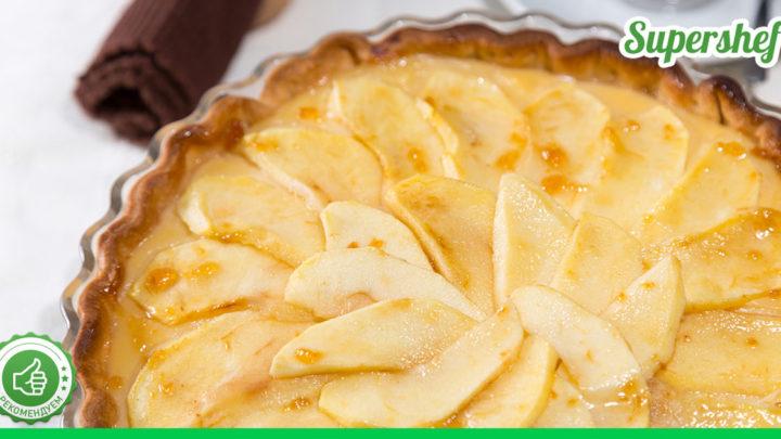 Намечается семейное чаепитие? Тогда этот вкуснейший сдобный пирог с яблоками отлично подойдет!