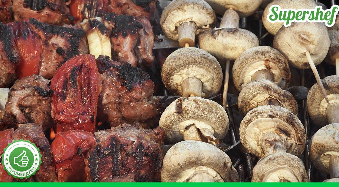 Рецепт восхитительной закуски к празднику: вкусный грибной шашлык