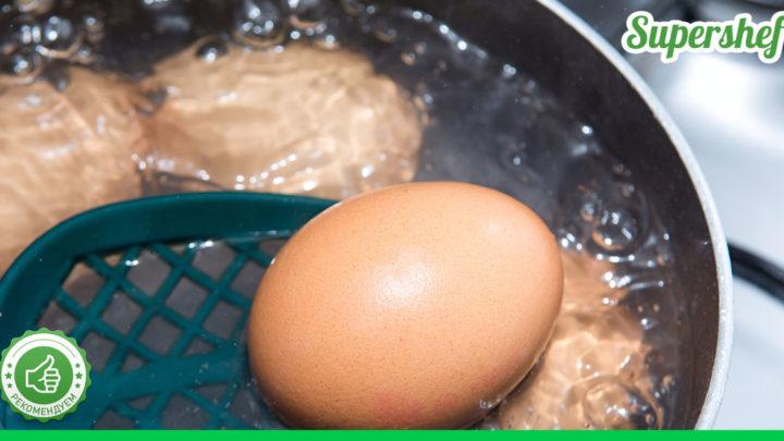 Зачем добавлять соду, когда варите яйца